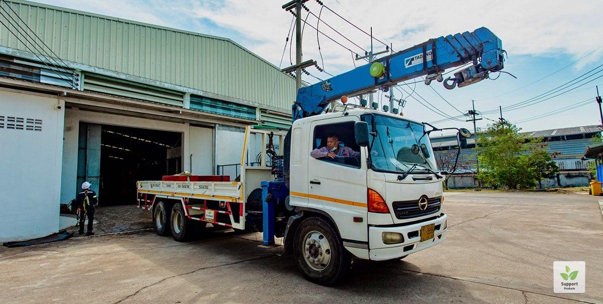 crane inspecting skip